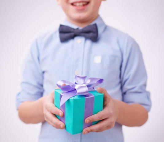 sünnet olan çocuğa hediye